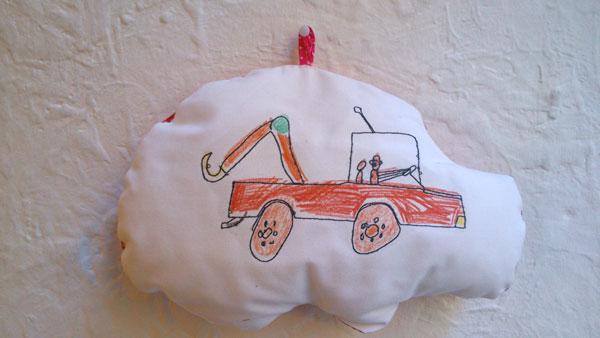 Puk y yuma bordados infantiles xutchill bordados y for Bordados personalizados madrid