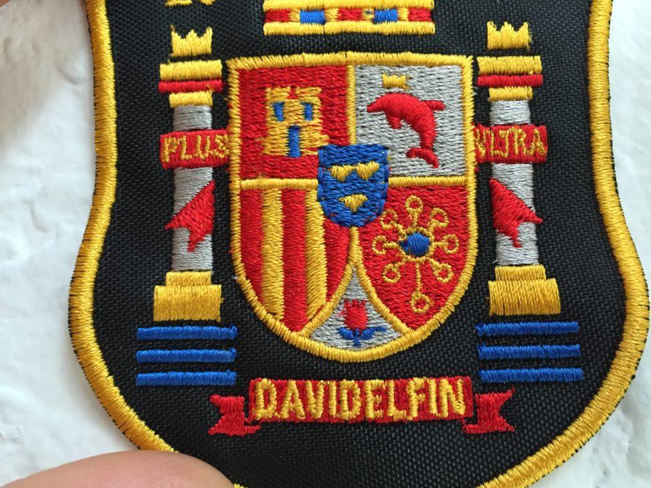 Bordado David Delfin colección Mentiras