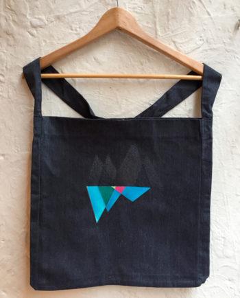 Bolsa bordada triángulos