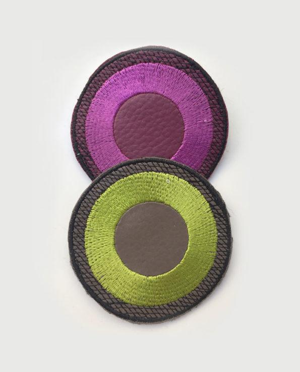 Broche bordado circulos