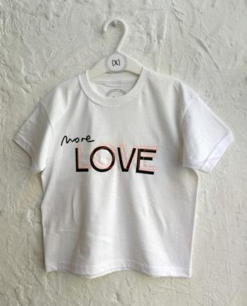 Camiseta para niño en estampación textil y bordado