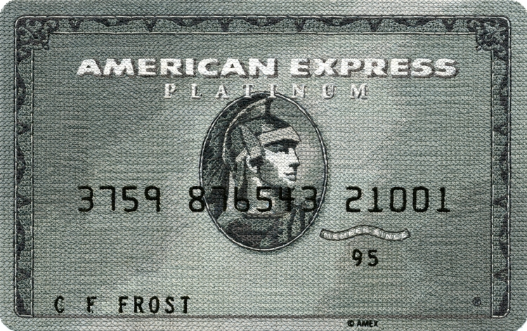 Tarjeta Platinum de American Express bordada por Inje Jacobsen.